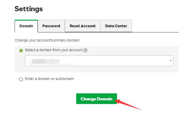 """如果你的域名是当前账户里有的,直接在下拉框里选择。如果在其他账户里,那么选择第二个单选框,填写你要添加的主域名,然后点击""""Change Domain""""即可"""